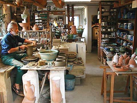 Laboratorio di Ceramica LELE+PETER Isola di...