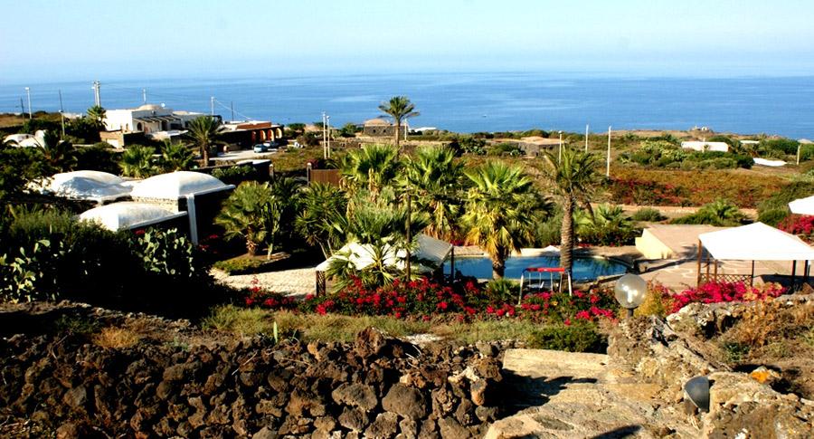 Vista panoramica dammuso villa Giò.