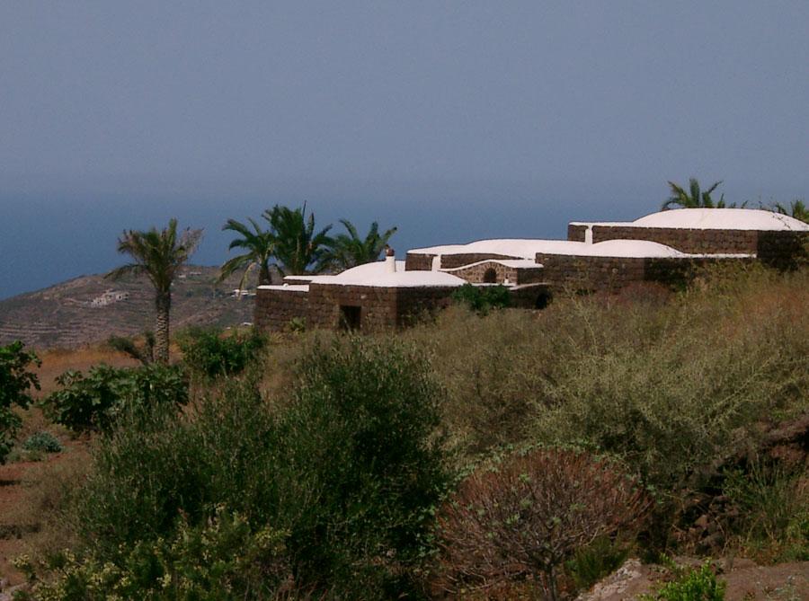 Pantelleria dammusi originale.