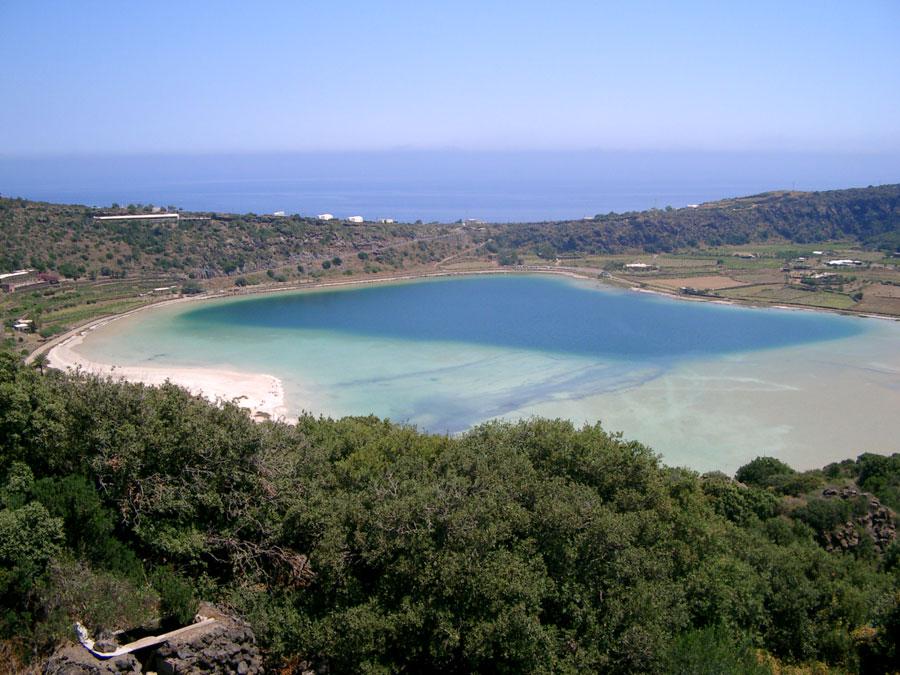 Pantelleria - Lago 'specchio di Venere'