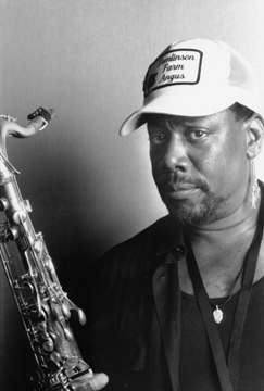 Clarence CLEMONS.